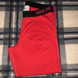 Nike Pro Capri Tights 😍